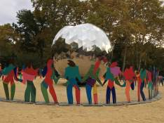 UN sculpture 7